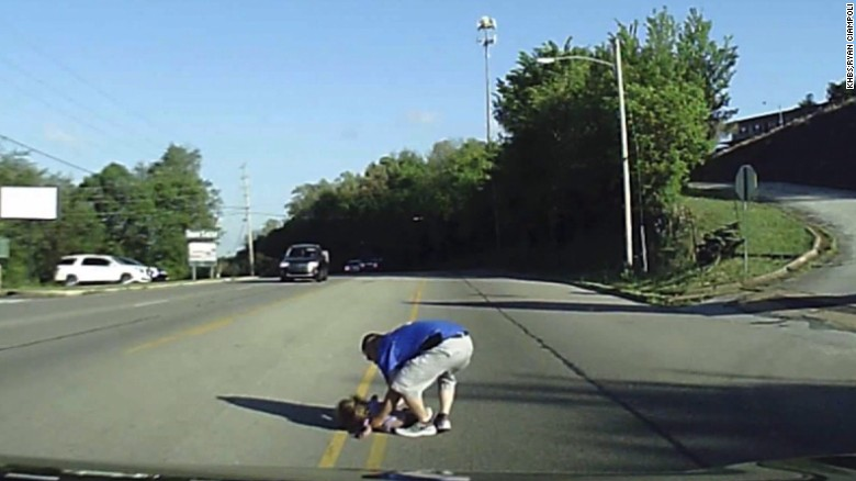 Rescate niña accidente